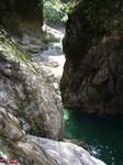 12:19 8m滝を登って えぐれた釜を見下ろす