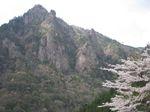 雪彦山の岩峰群.jpg
