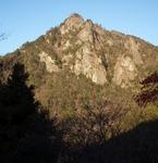 賀野神社から仰ぐ雪彦山