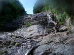 斜瀑で水補給