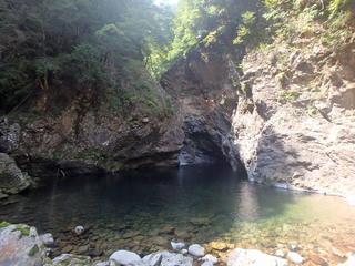 池郷川 下部ゴルジュ_200830_131034_108.JPG